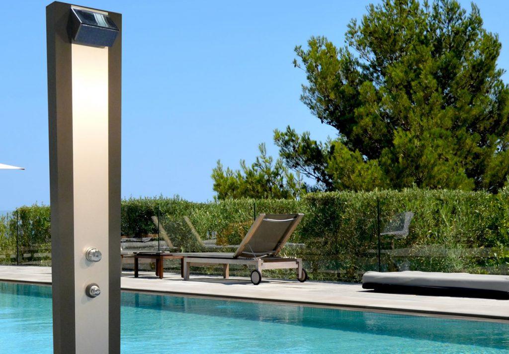 Douche solaire piscine - image